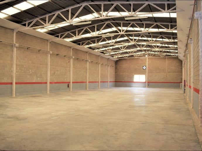 Foto 1 de Nave industrial de alquiler en Numero Cuatro, 6 María de Huerva, Zaragoza