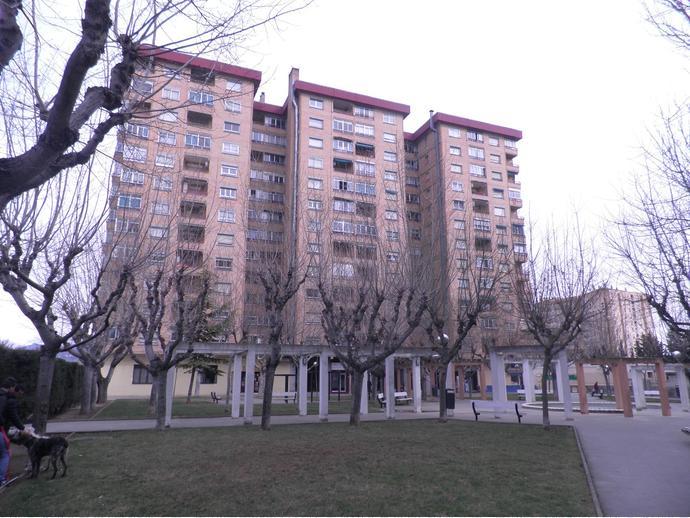 Foto 1 de Piso en Plaza Lérida 1 / Santiago,  Huesca Capital
