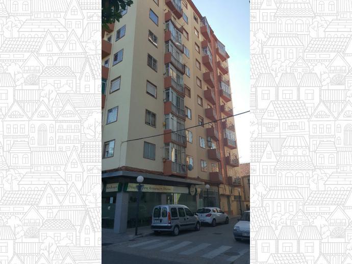 Foto 19 de Piso en Avenida Martínez De Velasco 33 / Encarnación,  Huesca Capital