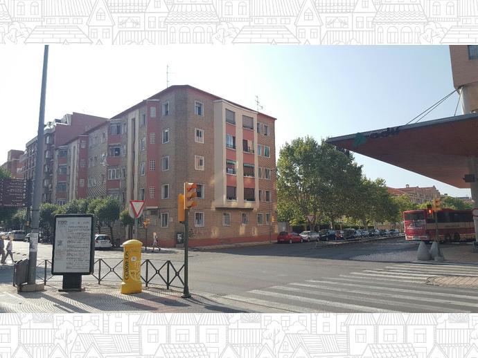 Foto 1 de Piso en Calle Tarbes / Los Olivos,  Huesca Capital
