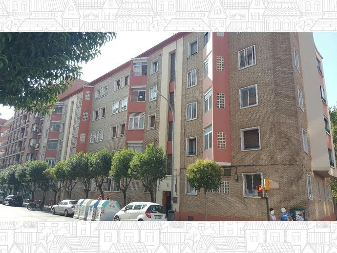 Foto 2 de Piso en Calle Tarbes / Los Olivos,  Huesca Capital