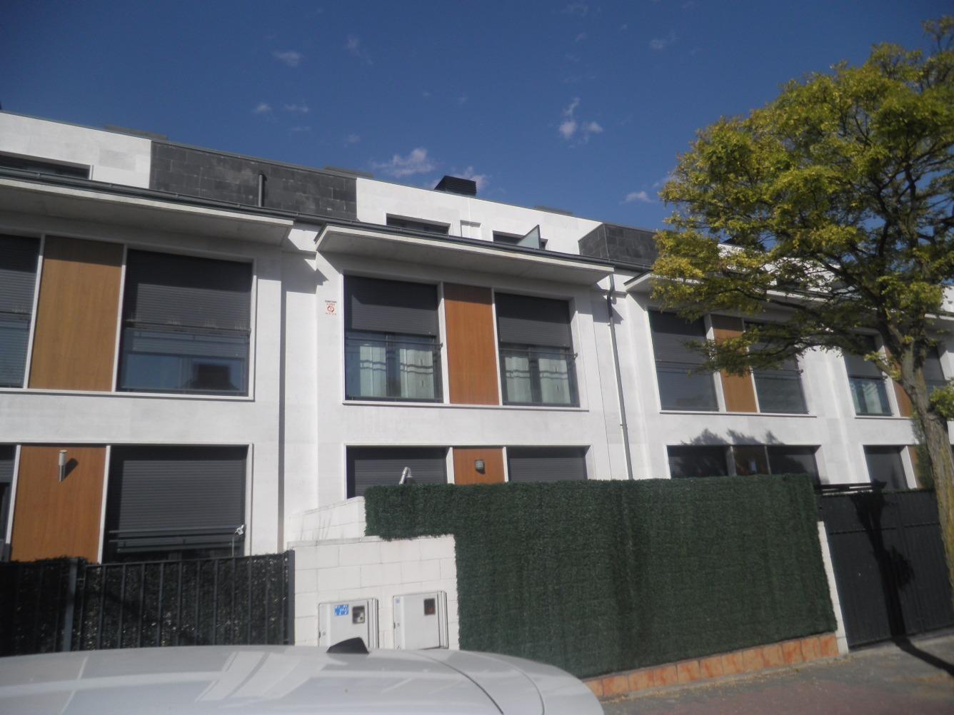 Casa adosada en venta en Pintor Gabino Gaona