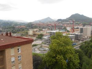 Venta Vivienda Piso etxeberri. exterior y vistas despejadas. terraza.