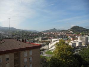 Piso en Venta en Etxeberri. Exterior y Vistas Despejadas. Terraza. / Hernani