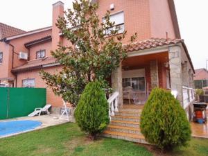 Casa adosada en Venta en Rivas-vaciamadrid - Centro / Centro