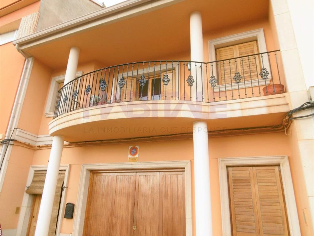 Casa  Carcaixent, Carcaixent, Carcaixent, valencia, españa. Exclusiva casa en venta con piscina y garaje.