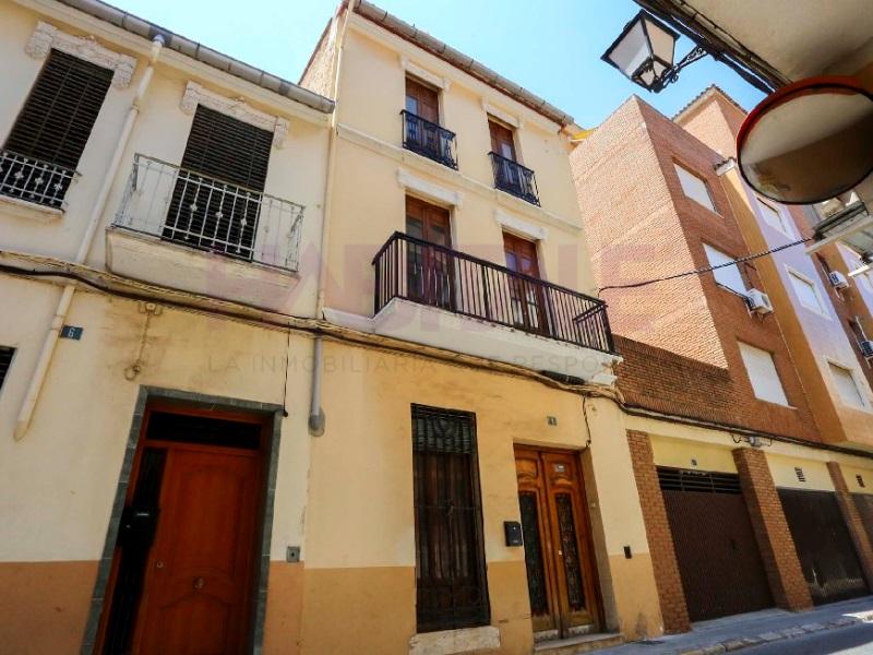 Lloguer Casa  Carcaixent, Carcaixent, valencia, españa. Casa en alquiler en Carcaixent, zona centro. * 3 meses alquiler