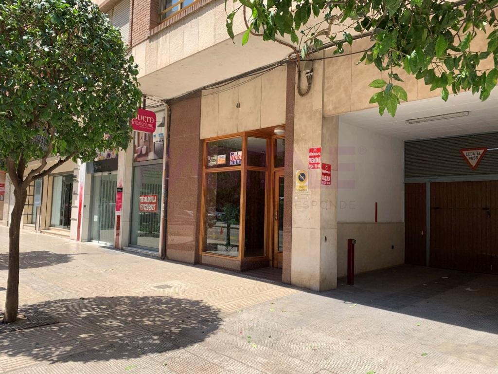 Lloguer Aparcament cotxe  Zona avenida santos patronos, Alzira, Alzira, valencia, españa. Plaza de garaje en alquiler en Alzira