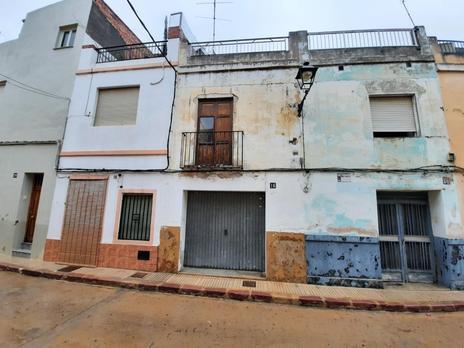 Chalets en venta con terraza baratos en España