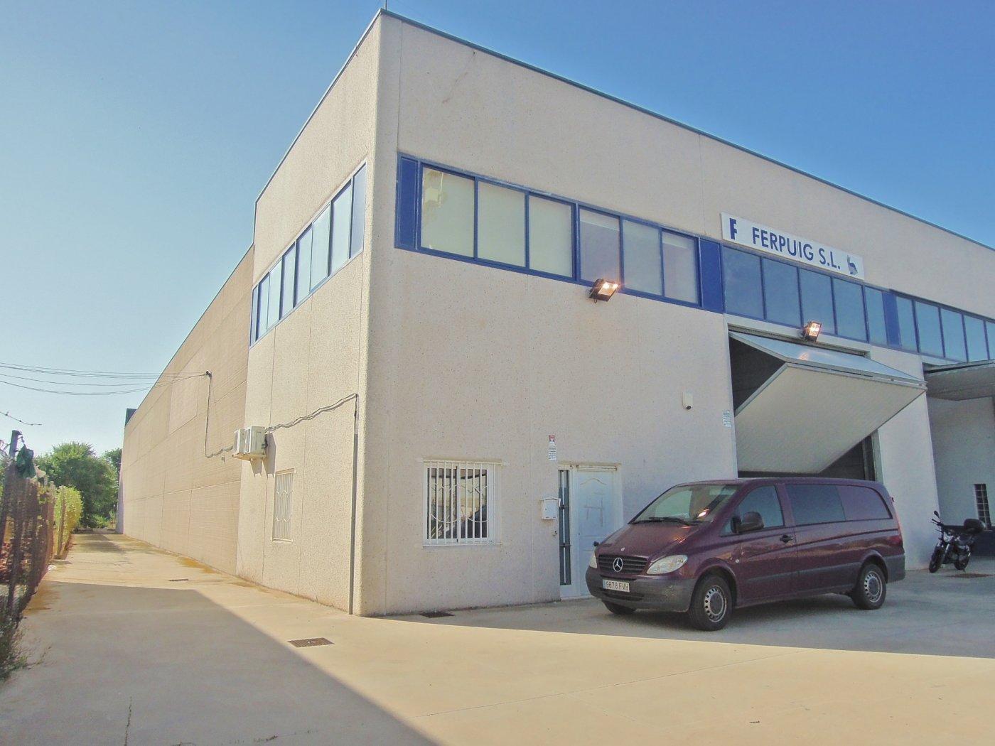 Fabrikhalle  Puig ,playa. Empresario está es tu nave
