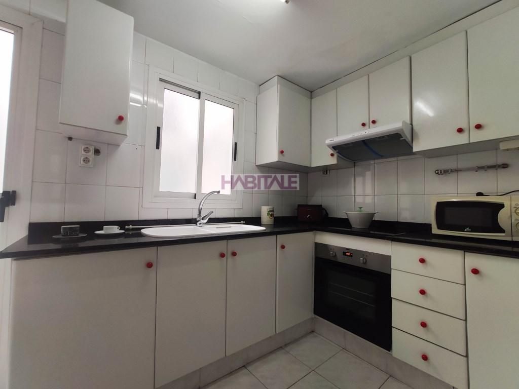 Location Appartement  Calle calle médico miguel servet. Vivienda muy luminosa ,amueblada y equipada con electrodoméstico