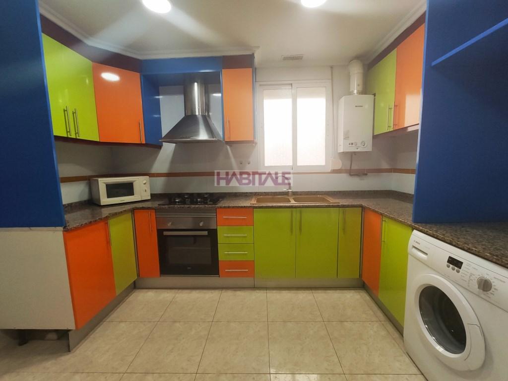 Location Appartement  Massamagrell, massamagrell, valencia, españa. Vivienda muy luminosa, cuatro habitaciones