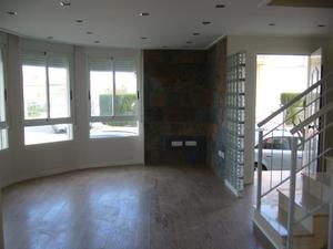 Casa adosada en Venta en Espectacular Adosado Esquinero / Massalfassar