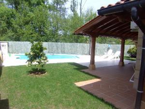 Venta Vivienda Casa-Chalet hendaya. villa nueva, piscina, jardín, garaje cerrado