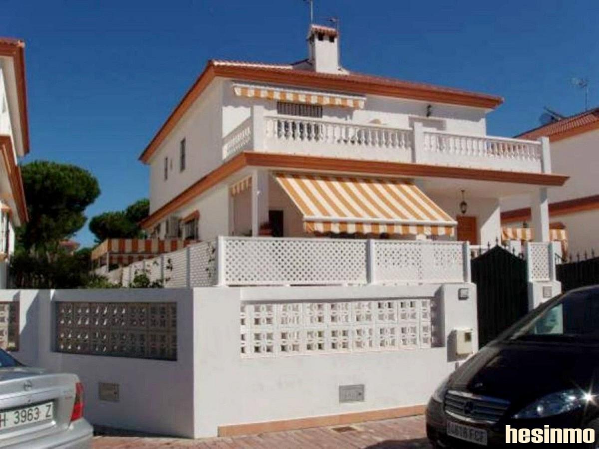 Casa adosada en venta en Taranto. Mazagón