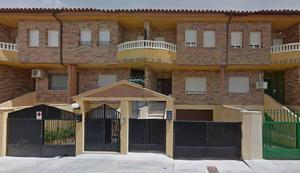 Casa adosada en Venta en Tomelloso ,institutos / Tomelloso