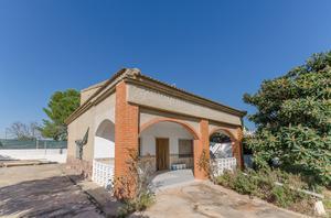 Chalet en Venta en Llíria, Urb. San Miguel / Llíria