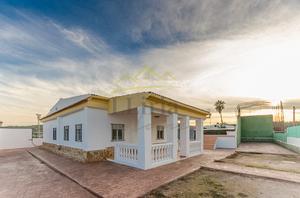 Chalet en Venta en Benaguasil ,benaguacil - Zona de Palmeral Irida / Pedralba