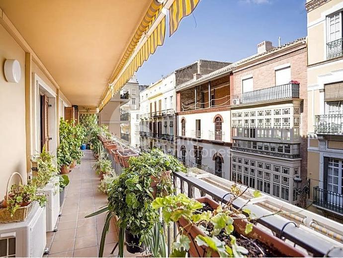 Foto 1 de Piso en Centro Historico, Gran Piso De 6 Dormitorios, Terraza , Garaje, En Pleno Corazon De La Ciudad De Mal / Centro Histórico, Málaga Capital