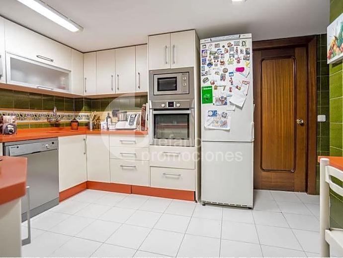 Foto 5 de Piso en Centro Historico, Gran Piso De 6 Dormitorios, Terraza , Garaje, En Pleno Corazon De La Ciudad De Mal / Centro Histórico, Málaga Capital