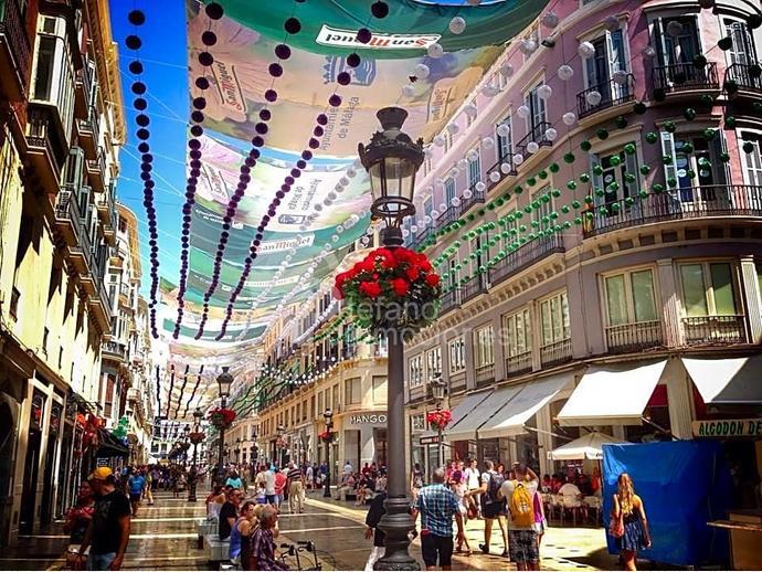 Foto 16 de Piso en Centro Historico, Gran Piso De 6 Dormitorios, Terraza , Garaje, En Pleno Corazon De La Ciudad De Mal / Centro Histórico, Málaga Capital