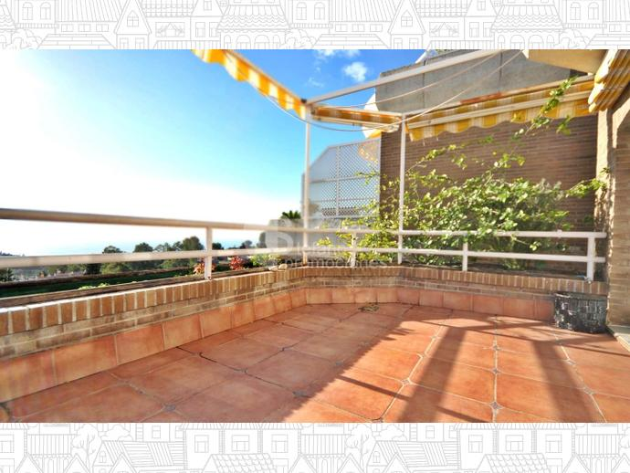 Foto 2 de Dúplex en Málaga Este, En Selecta Urbanización Con Vistas, Jardines Y Piscina, Junto Mejores Colegios / Cerrado Calderón - El Morlaco, Málaga Capital