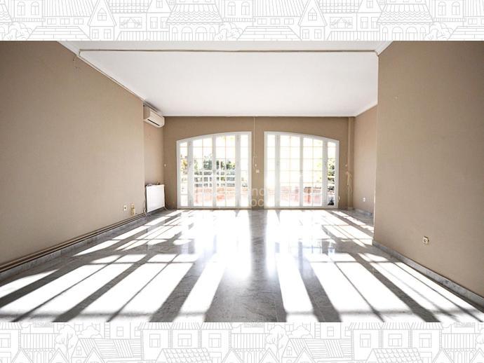Foto 1 de Dúplex en Málaga Este, En Selecta Urbanización Con Vistas, Jardines Y Piscina, Junto Mejores Colegios / Cerrado Calderón - El Morlaco, Málaga Capital