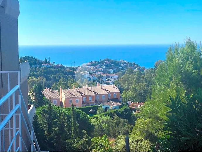 Foto 10 de Dúplex en Málaga Este, En Selecta Urbanización Con Vistas, Jardines Y Piscina, Junto Mejores Colegios / Cerrado Calderón - El Morlaco, Málaga Capital
