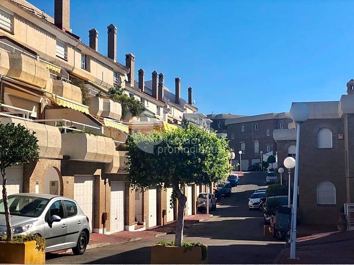 Foto 38 de Dúplex en Málaga Este, En Selecta Urbanización Con Vistas, Jardines Y Piscina, Junto Mejores Colegios / Cerrado Calderón - El Morlaco, Málaga Capital
