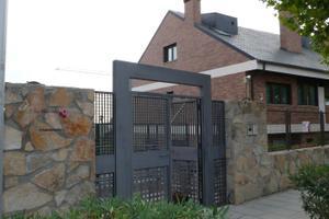 Casa adosada en Alquiler con opción a compra en Fontanilla, 7 / Zona Hospital en Torrelodones
