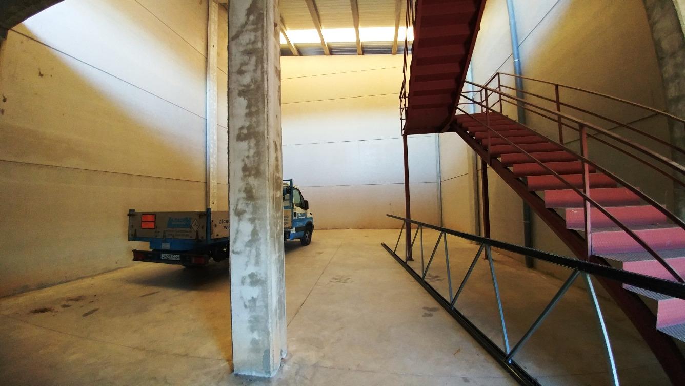 Nave Industrial en venta con 205 m2,  en Alovera