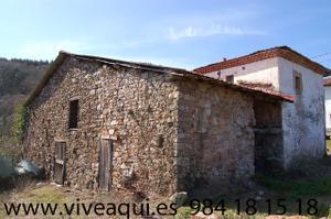 Venta Vivienda Casa-Chalet conjunto de 2 casas y 2 cuadras para rehabilitación total