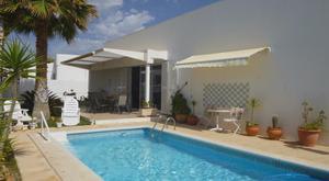 Venta Vivienda Casa-Chalet villa con parcela a 200 m playa