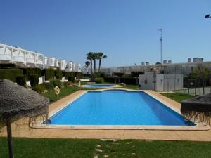 Apartamento en Venta en A 200 Mtrs. Playa- Residencial Samay / Urb. El Palmeral