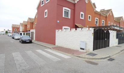 Single-family semi-detached for sale in Benacazón