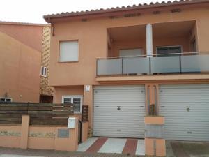 Casa adosada en Venta en Mercè Rodoreda / Flaçà