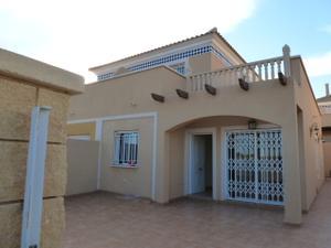 Casa adosada en Venta en Las Molinetas / Águilas