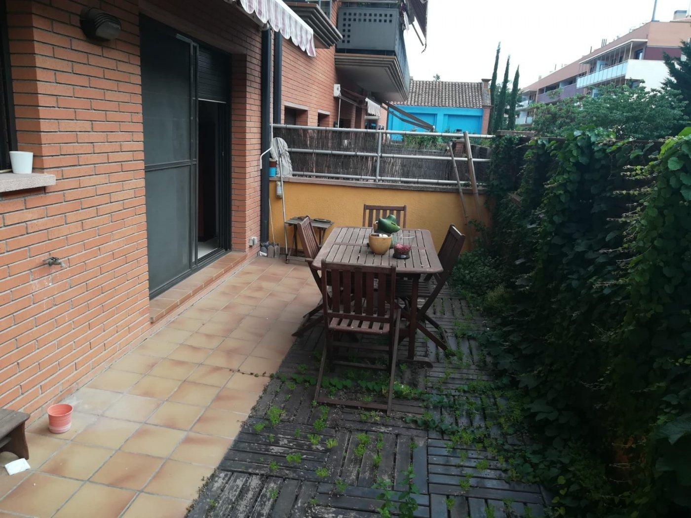 Appartamento  Cardedeu ,centre. Cardedeu. piso planta baja en venta con dos terrazas, parquing y