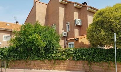 Casa adosada en venta en Calle Fuente del Sol, Alcalá de Henares