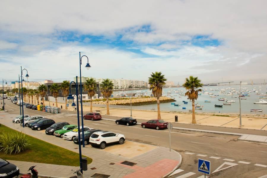 Piso en alquiler en Cadiz ,loreto - Puntales