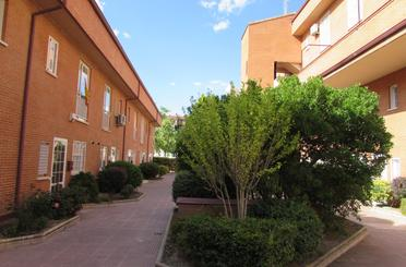 Casa adosada de alquiler en Espartales
