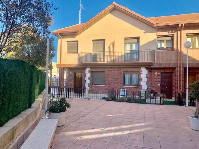 Casa adosada en Cuarte de Huerva - 151961603 | fotocasa