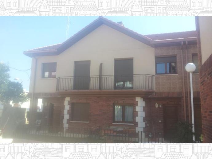 Casa adosada en cuarte de huerva en calle orfe n 135827242 for Piscina cuarte de huerva