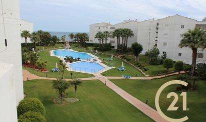 Plantas intermedias de alquiler con opción a compra con piscina en España