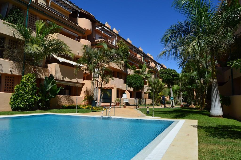 Apartamento en venta en Las Chapas - Elviria
