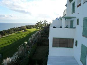 Apartamento en Venta en ¡primera Línea de Playa y Campo de Golf! / La Línea de la Concepción