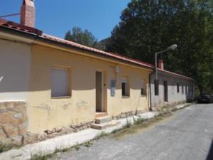 Casa adosada en Venta en Zaragoza / Aliaga
