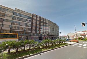Piso en Venta en Avenida de Lugo con el Hórreo / Ensanche - Sar
