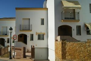 Casa adosada en Venta en Estepona Este - Paraíso - Atalaya- Benamara / Estepona Centro