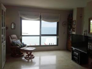 Apartamento en Venta en Bermeja Beach, Blq Miro / Estepona Centro